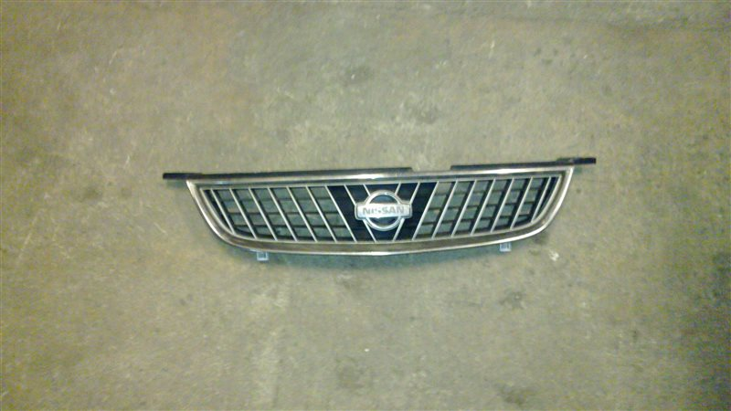 Решетка радиатора Nissan Sunny B15 1998