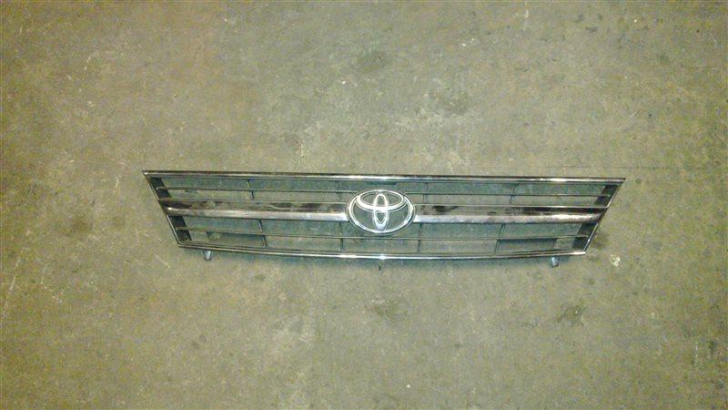Решетка радиатора Toyota Estima TCR21 2001