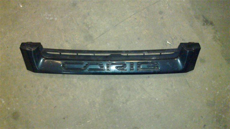 Решетка радиатора Toyota Carib AE111 1998