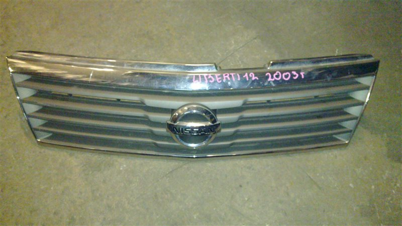 Решетка радиатора Nissan Liberty PM12 2003