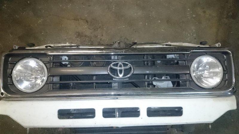 Решетка радиатора Toyota Land Cruiser HZJ70 1HZ 1998