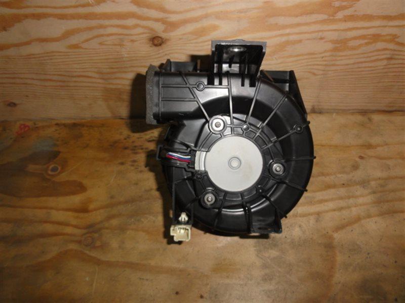 Мотор охлаждения батареи Toyota Corolla Fielder NKE165 1NZ-FXE 2014
