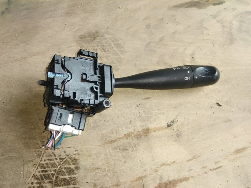 Гитара Toyota Isis ZNM10 1ZZ-FE 2006 правая