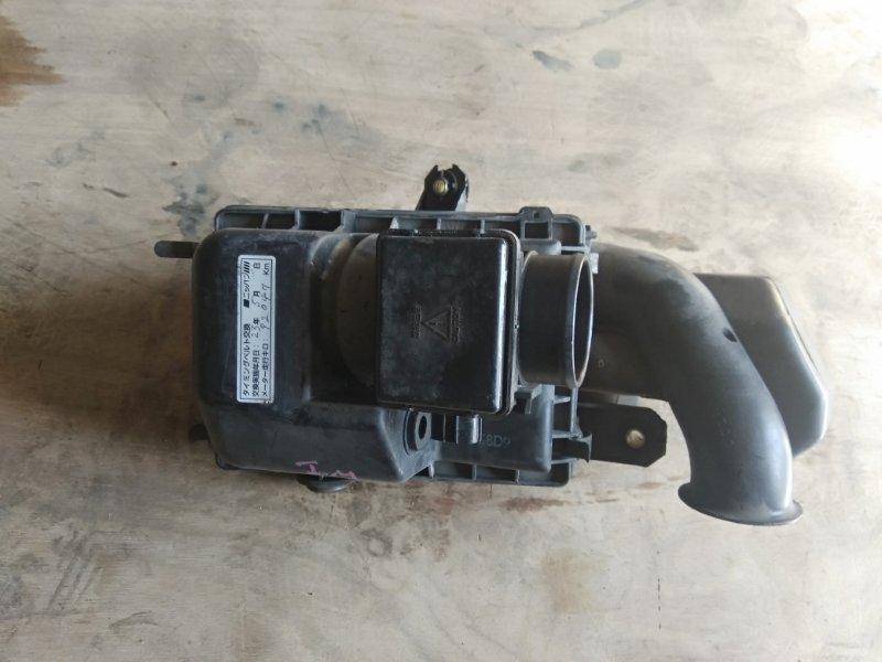 Корпус воздушного фильтра Mazda Demio DW3W B3 1999