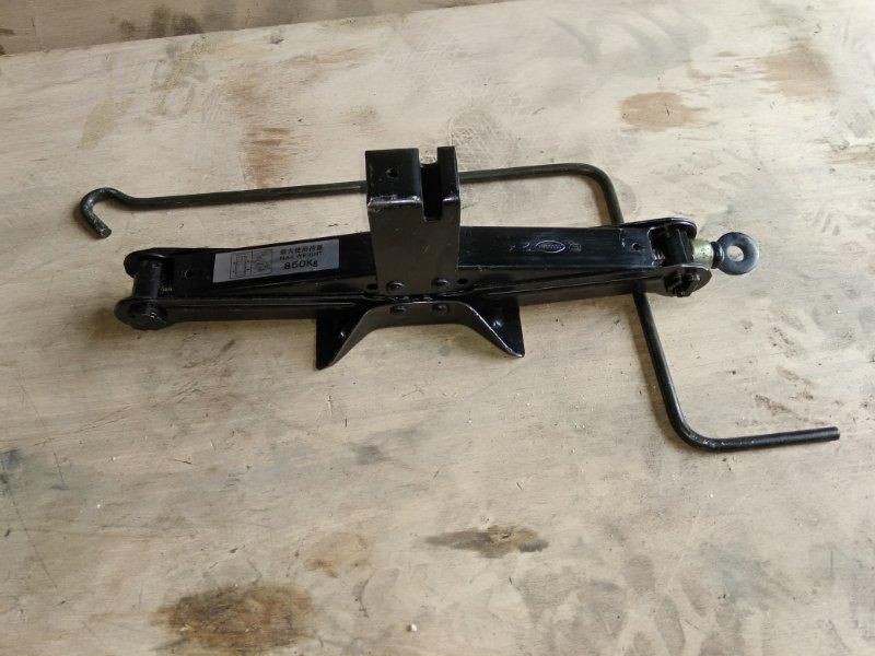 Домкрат Subaru Forester SG5