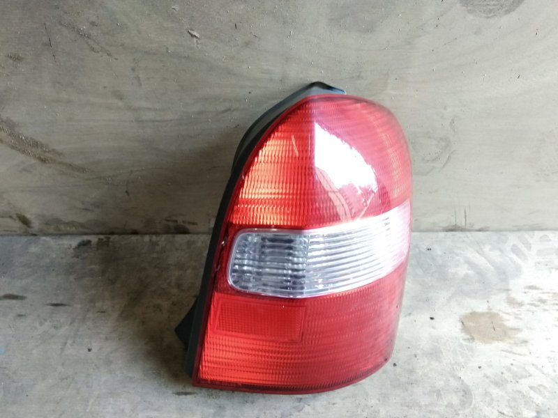 Стоп-сигнал Mazda Familia BJ5W ZL-VE 2001 правый