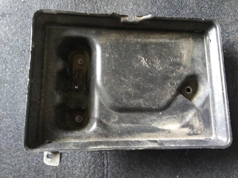 Подставка под аккумулятор Toyota Crown JZS151 1JZ-GE 1997