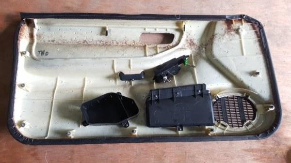 Обшивка дверей Honda Integra DC1 ZC 1998 передняя правая