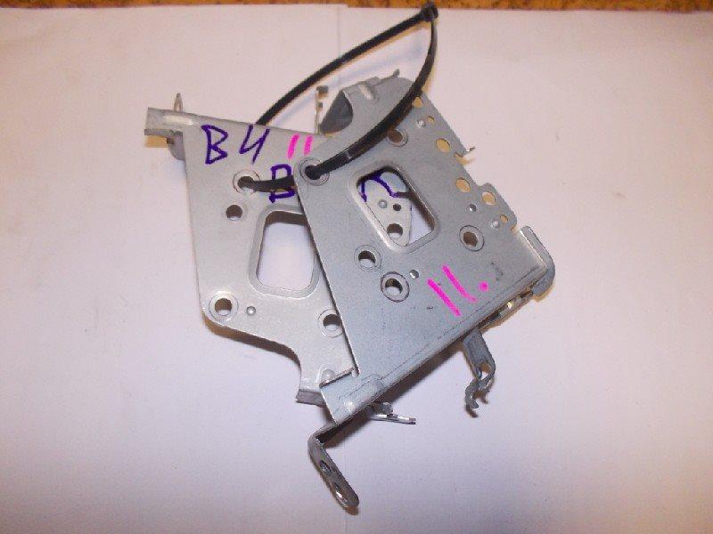 Крепление автомагнитолы Subaru Legacy B4 BE5 ст.119000011