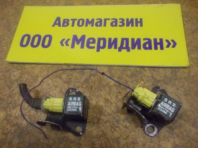 Датчик airbag Toyota ст.127000011