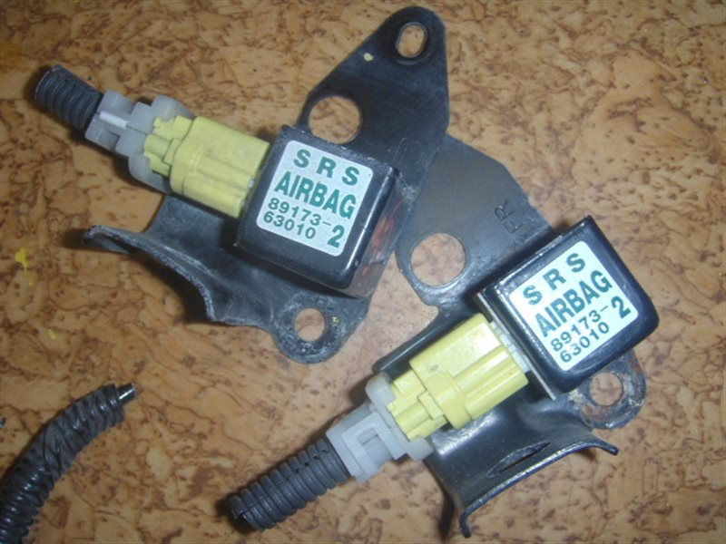 Датчик airbag Toyota ст.127000035