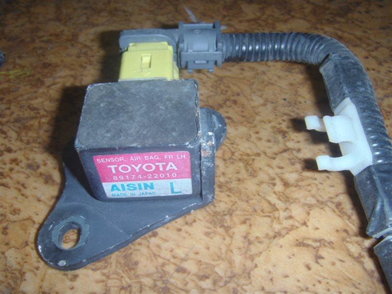 Датчик airbag Toyota левый ст.127000040