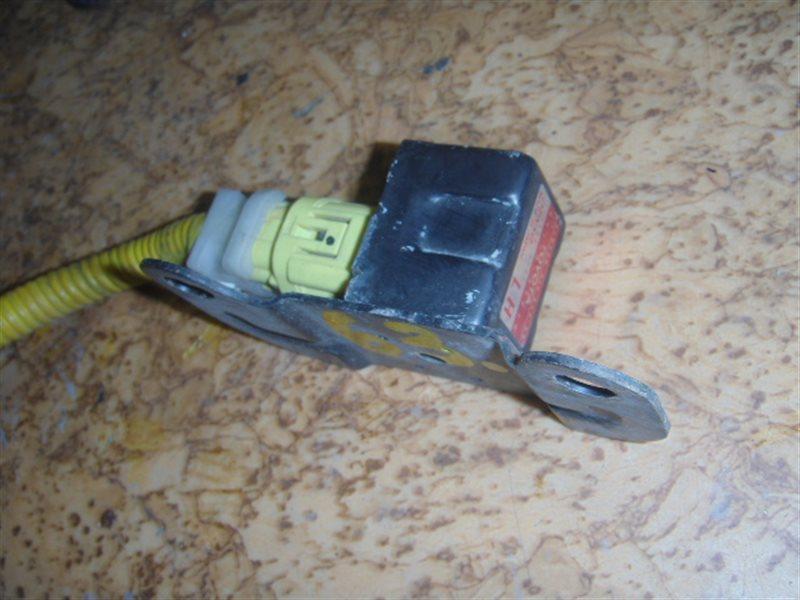 Датчик airbag Toyota ст.127000063