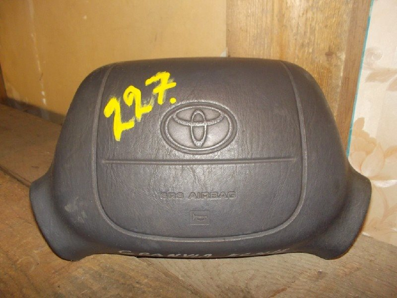 Airbag на руль Toyota Hiace Granvia RCH47 ст.206000227