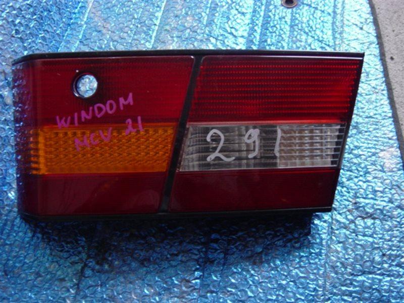 Вставка между стопов Toyota Windom MCV20 задняя правая ст.226000291