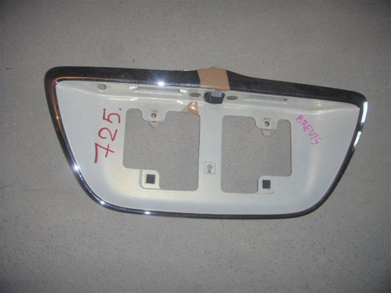 Вставка между стопов Toyota Brevis JCG15 задняя ст.226000725