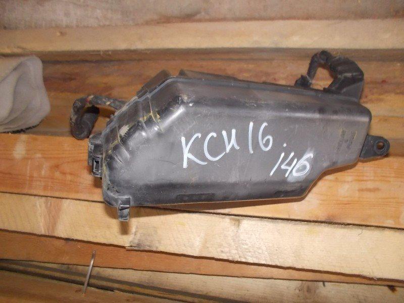 Блок предохранителей Toyota Hiace Granvia KCH16W 1KZ-TE ст.255000146