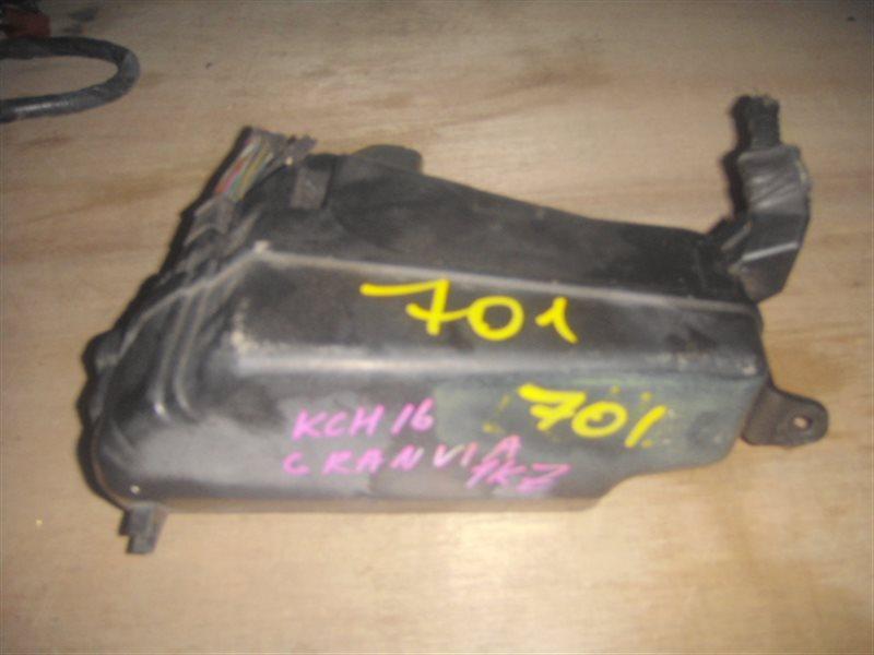 Блок предохранителей Toyota Granvia KCH16 1KZ ст.255000701