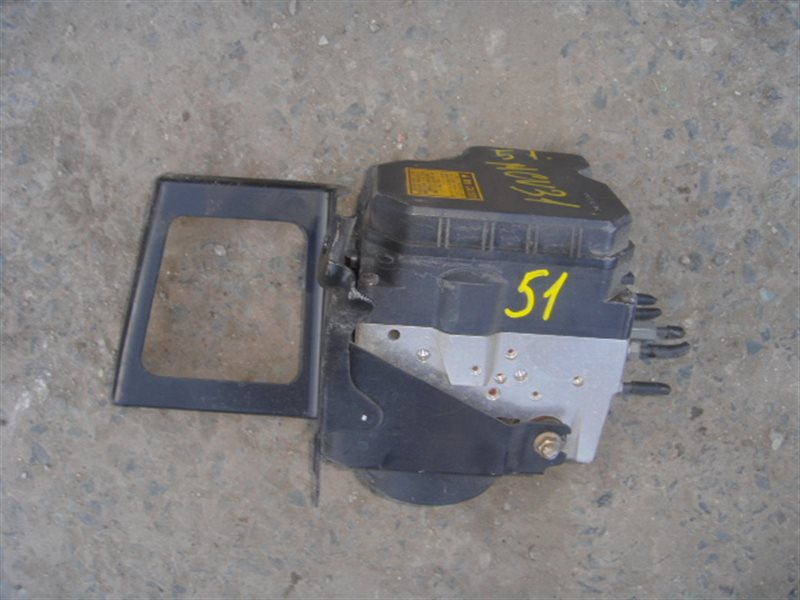 Блок abs Toyota Harrier MCU30 1MZ ст.271000051