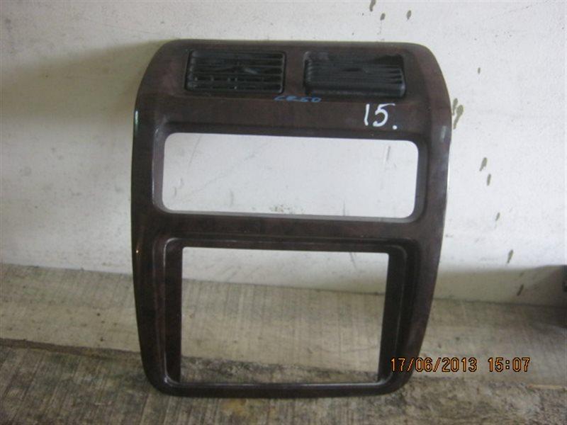 Консоль магнитофона Nissan Terrano R50 ст.283000015