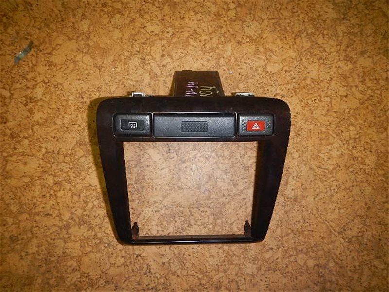 Консоль магнитофона Nissan Bluebird QU14 ст.283000194