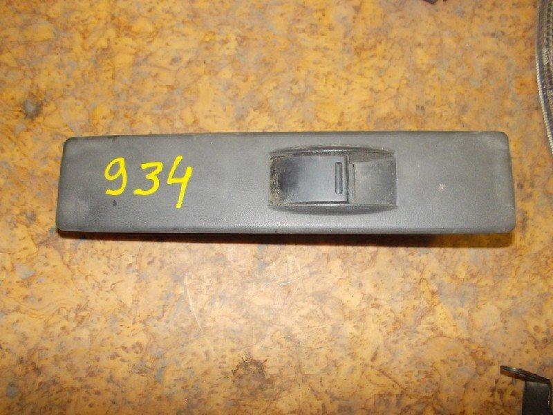 Блок упр. стеклоподьемниками Suzuki Escudo TD11W передний левый ст.285000934
