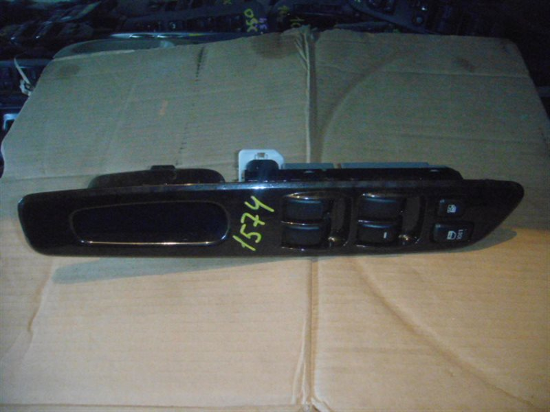 Блок упр. стеклоподьемниками Mitsubishi Chariot Grandis N86W передний правый ст.285001574