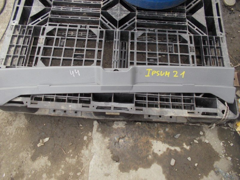 Накладка замка багажника Toyota Ipsum ACM21 2003 ст.305000044