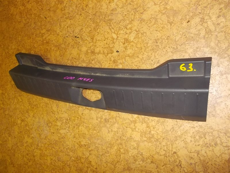 Накладка замка багажника Daihatsu Coo M411S ст.305000063