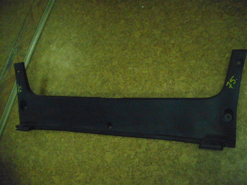 Накладка замка багажника Toyota Crown GRS204 2GR-FSE ст.305000075