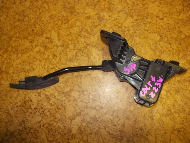 Педаль газа Mitsubishi Colt Z23A 4A91 ст.313000023