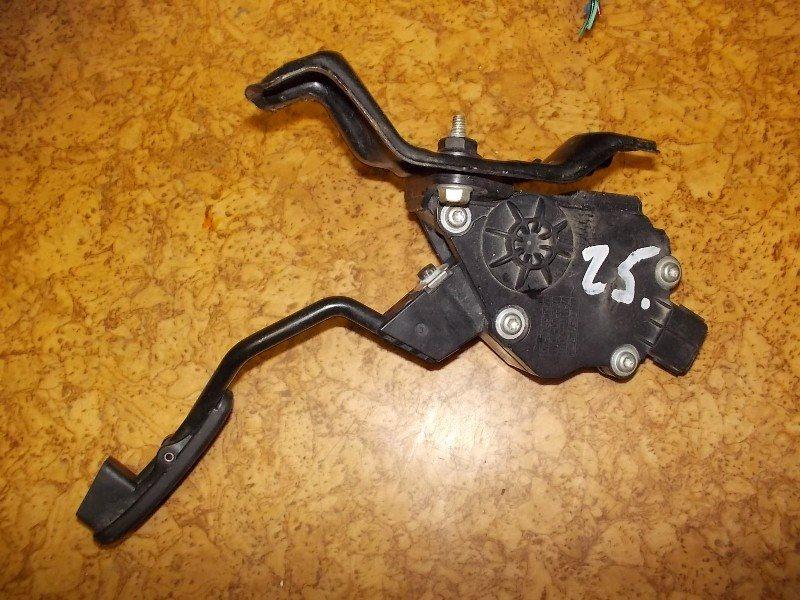 Педаль газа Toyota Ractis SCP100 2SZ-FE ст.313000025