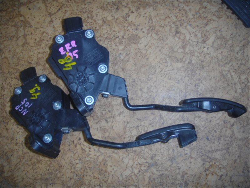 Педаль газа Toyota Ractis NCP105 ст.313000049
