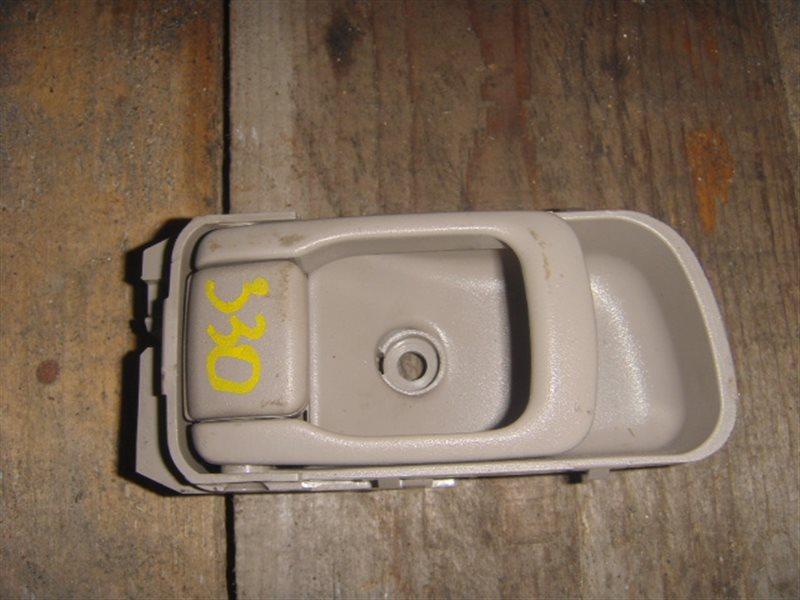 Ручка двери внутренняя Nissan Liberty RM12 передняя левая ст.320000330