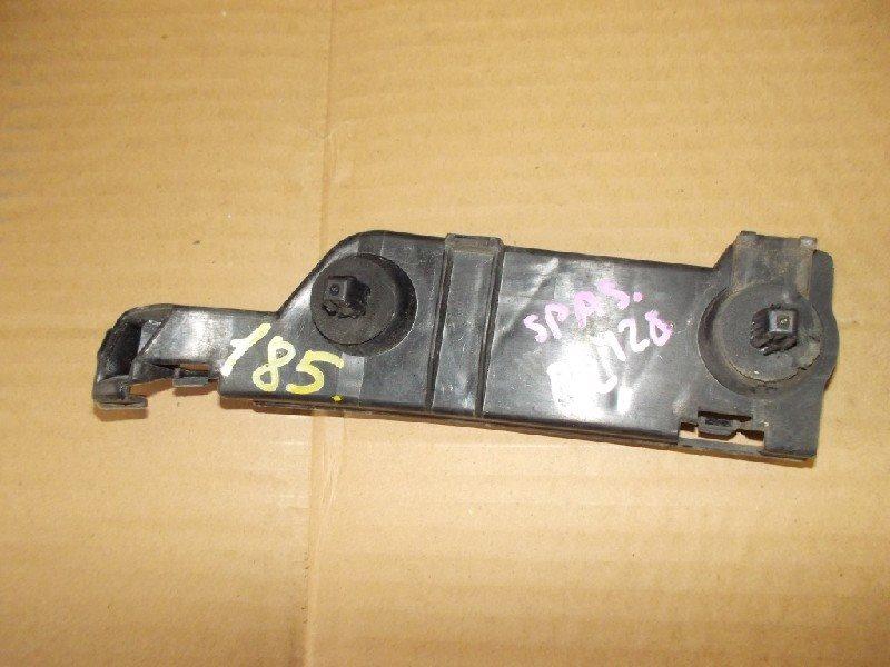 Крепеж бампера Toyota Spacio ZZE122 задний левый ст.321000185