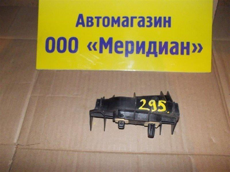 Крепеж бампера Toyota Runx NZE124 задний левый ст.321000295