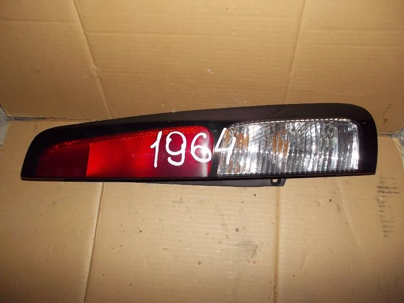 Стоп-сигнал Nissan Cube Z10 задний правый ст.801001964