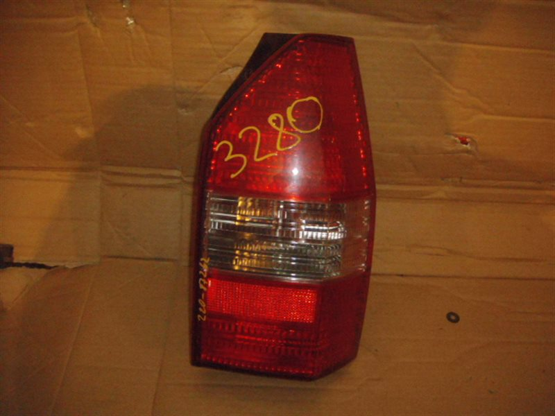 Стоп-сигнал Mitsubishi Chariot Grandis N84W задний правый ст.801003280