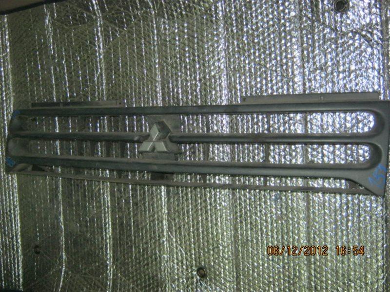 Решетка радиатора Mitsubishi Pajero ст.802000151