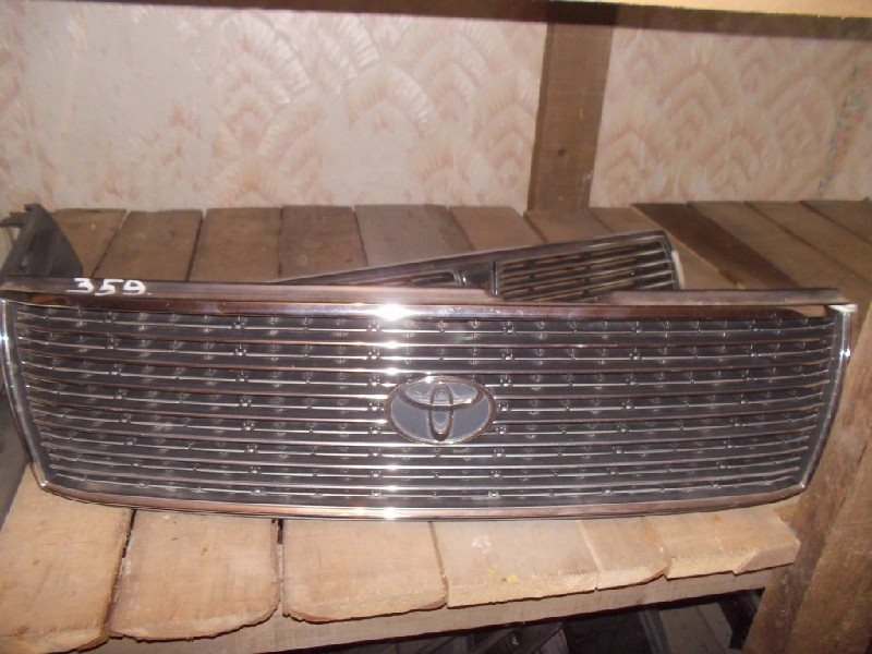 Решетка радиатора Toyota Crown Comfort LXS11 ст.802000359
