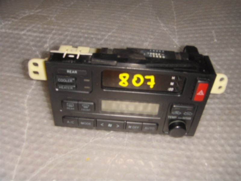 Блок управления климат-контролем Toyota Regius RCH47 ст.806000807