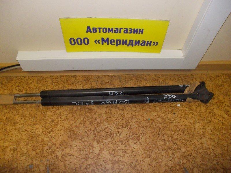 Амортизатор 5-ой двери Mazda Bongo SKF2MN задний ст.902000386