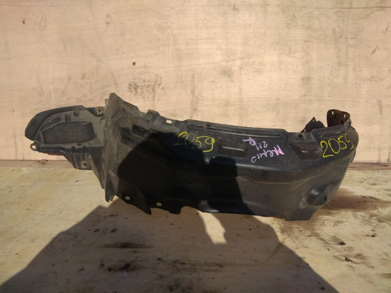 Подкрылок Toyota Corona Premio ST210 7A-FE передний правый