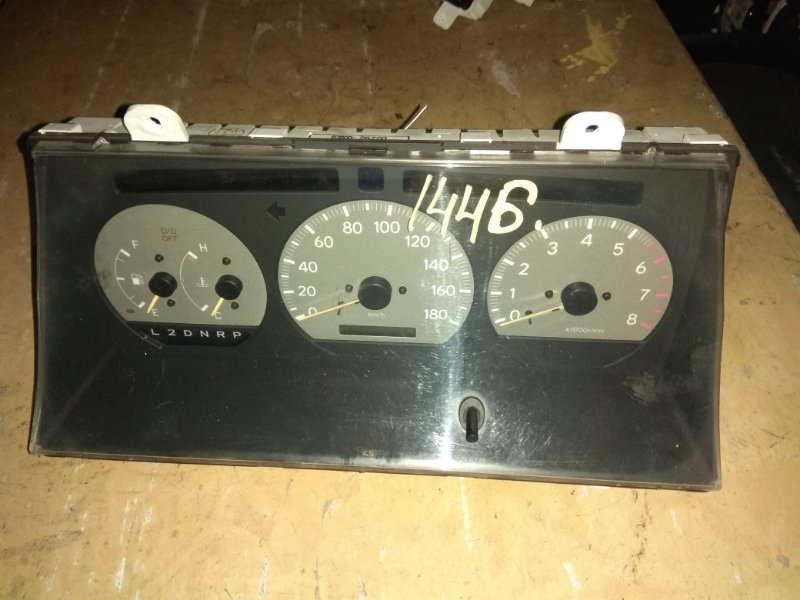 Панель приборов Toyota Regius RCH47 3RZ