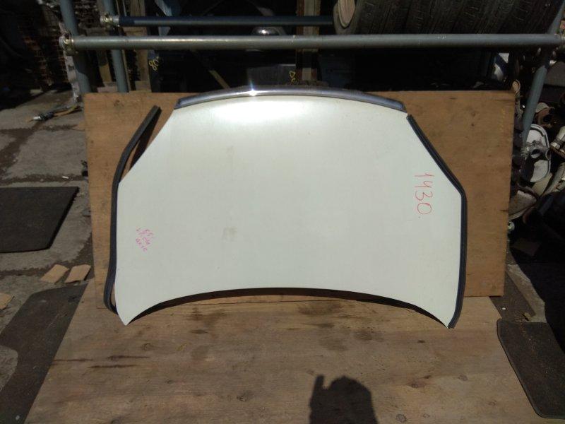 Капот Nissan Lafesta B30 передний