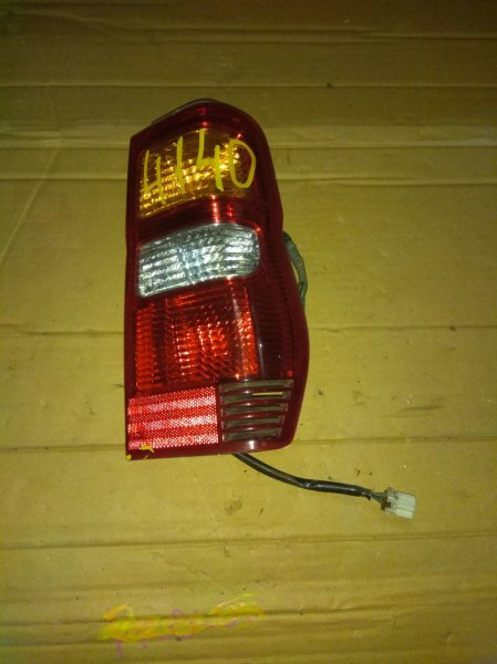 Стоп-сигнал Mitsubishi Pajero H58A задний правый