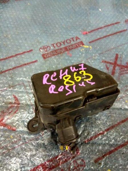 Блок предохранителей Toyota Hiace Regius RCH47 3RZ