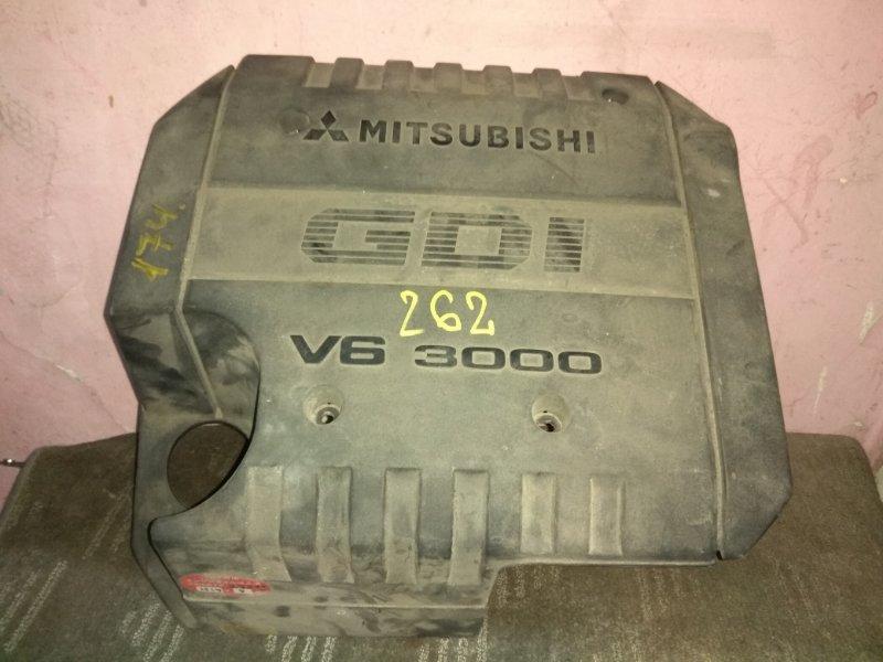 Пластиковая крышка на двс Mitsubishi 6G72