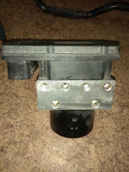 Блок abs Infiniti Qx56 JA60 VK56 2004