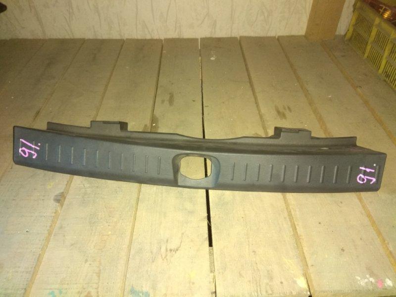 Накладка замка багажника Daihatsu Yrv M201G